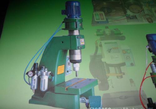 液压铆钉机选型特点
